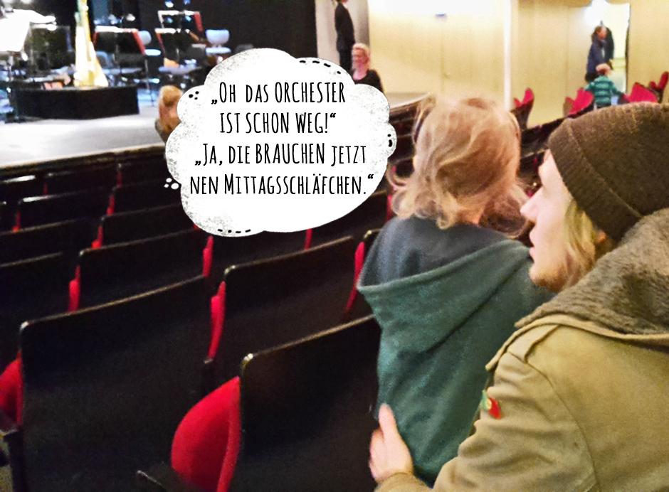 KAN_OperKiel_Familienkonzert_ImSaal_Sprech_(c)www.kielamnil.de.jpg Kopie